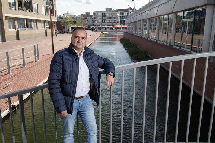 Louis Kampman, fractievoorzitter van Lokaal Almelo Samen, laat het er niet bij zitten en hoopt dat statenleden in Zwolle aan de kant van Almelo gaan staan.