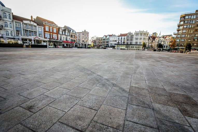 De tegels op het nieuwe Marktplein zijn al vuil.