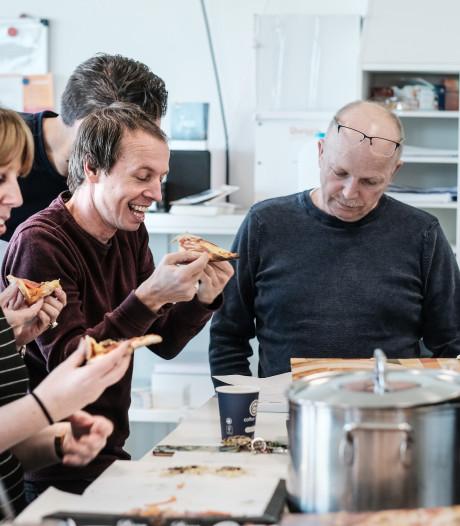 Verrassing van de leerlingen! Pizza in pauze voor docenten Liemers College