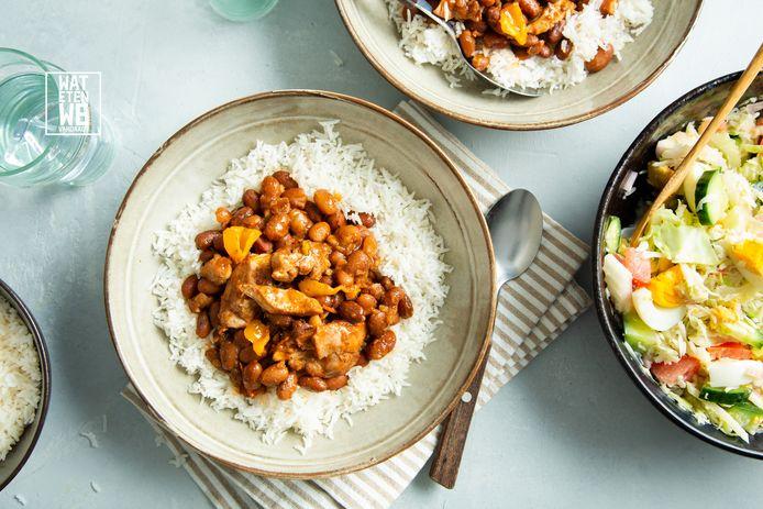 Surinaamse kip met bruine bonen en rijst