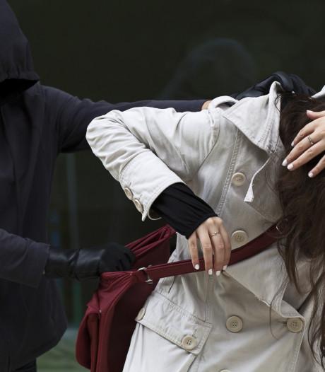 Aanranding in Tilburg: vrouw zomaar lastiggevallen, politie zoekt dader