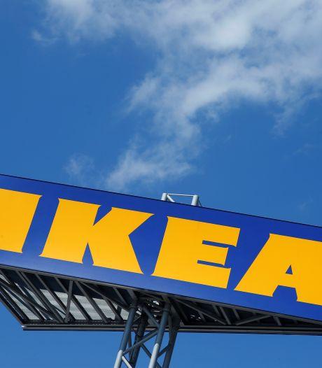 """Un couple s'infiltre chez Ikea avant d'être expulsé: """"Acheter un lit doit pouvoir se faire à deux"""""""