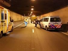 Drechttunnel dicht door botsing twee auto's