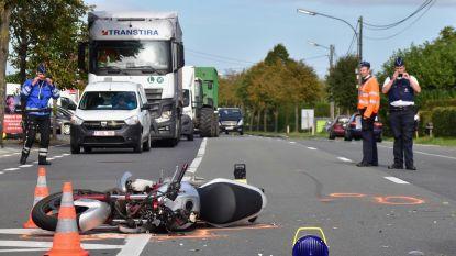 Motorrijder (36) overleden na klap tegen auto in Tielt