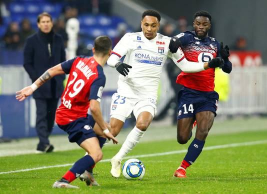 Kenny Tete in december 2019 in actie tijdens Olympique Lyon - Lille OSC.