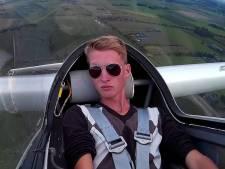 Zweefvlieger uit Wijhe voelt zich als een vogel in de lucht