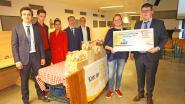 Leerlingen Sint-Donatus verkopen ambachtelijke koekjes (en schenken 4.250 euro aan goed doel)