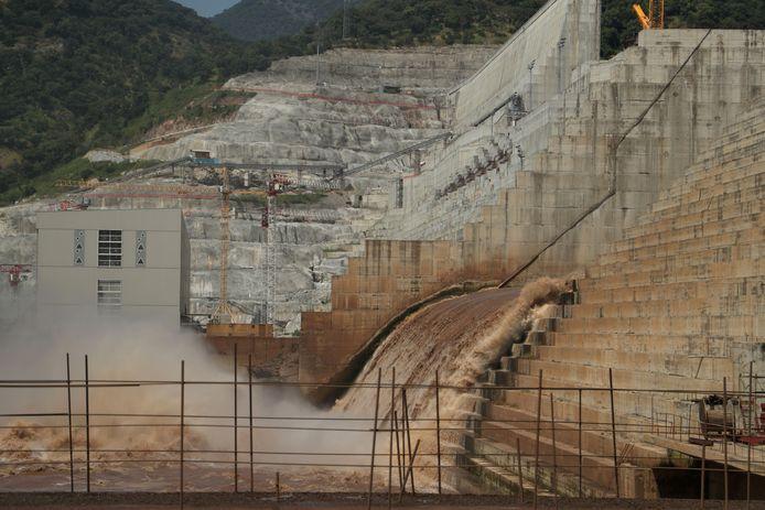 Nijlwater stroomt al door de Ethiopische Grand Renaissance Dam.