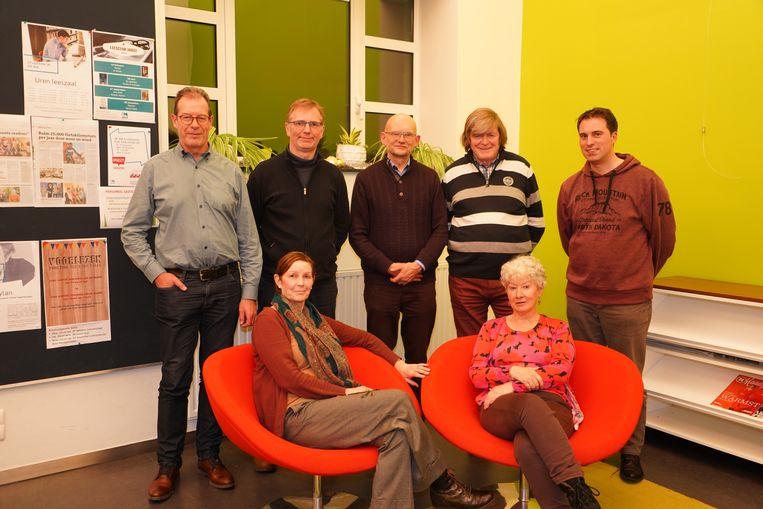 De dichters die zondag werken zullen voordragen in OC Vondel.