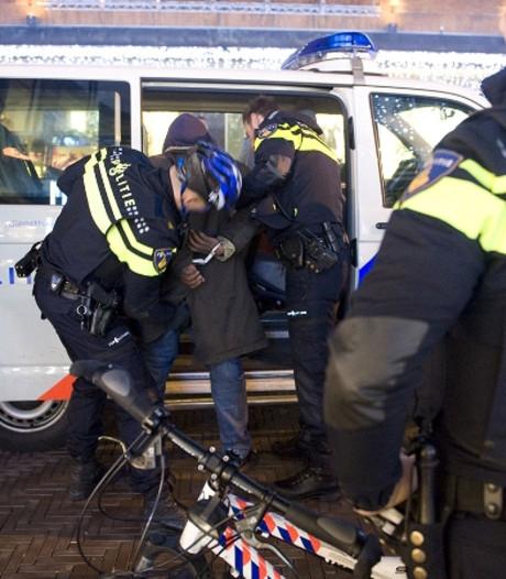 Varssevelder (16) breekt pink van agent tijdens arrestatie