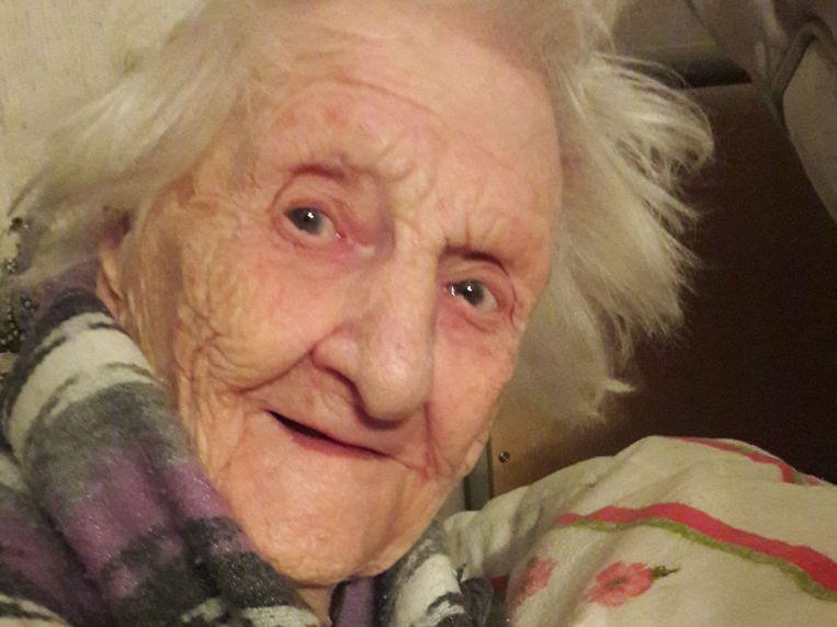 Caterina Meessen, hier op 103-jarige leeftijd toen Trouw-redacteur Alwin Kuiken haar bezocht. Beeld Alwin Kuiken