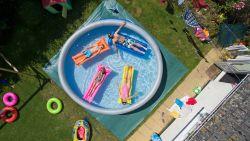 Leuk, zo'n zwembad in de tuin, maar hoe hou je het schoon?