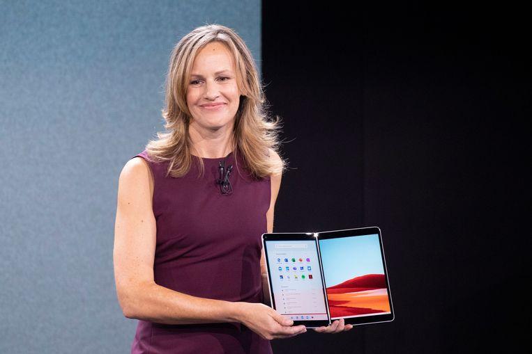 De Surface Neo-laptop kan als een soort boek geopend worden.