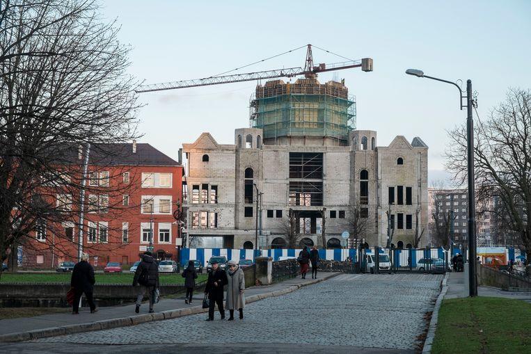 De in aanbouw zijnde Nieuwe Synagoge van Koningsbergen aan de rivier de Pregel in Kaliningrad. Beeld Geert Groot Koerkamp