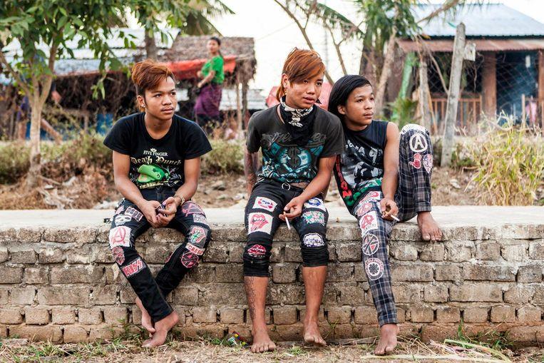 Sinds de opstand van de monniken in 2007 werd neergeslagen door het regime heeft Yangon een actieve punkscène. Beeld Yvonne Brandwijk