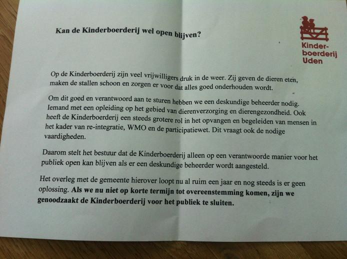 De 'noodkreet' van de Stichting Kinderboerderij Uden op de briefjes die werden uitgedeeld.