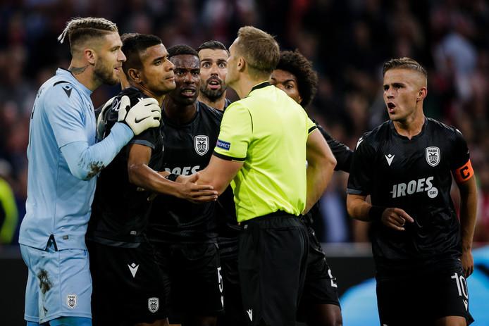 PAOK was het gisteravond maar zelden eens met de Engelse arbitrage.