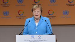"""Merkel looft pact als """"mijlpaal"""" in aanpak migratievraagstuk"""