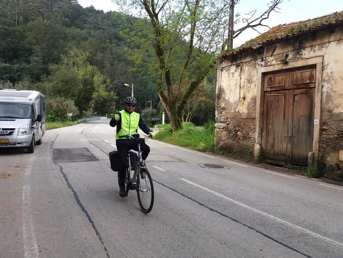 Marcel Warbroek uit Terheijden fietst van Portugal naar Nederland voor KWF