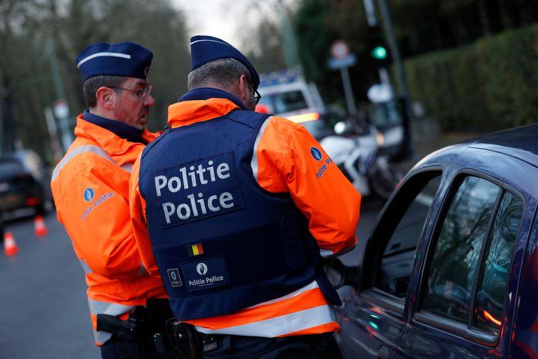 Vier bestuurders hadden een zodanig hoog alcoholpercentage in hun bloed, dat ze hun rijbewijs direct voor 15 dagen kwijt zijn.