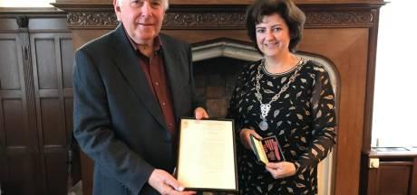 Bedankbrief voor Engelse oorlogsheld terug in Geertruidenberg: 'Mijn stiefvader was zo trots op this letter'