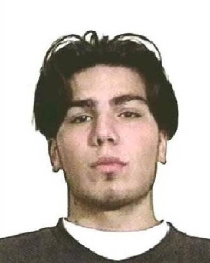 Cumali Ata uit Steenwijk staat op de zoeklijst van Interpol.