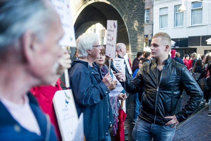 Dennis Schouten in actie in Enschede.