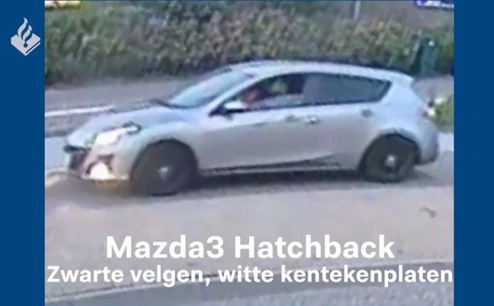 De politie zoekt deze auto in het onderzoek naar het doodrijden van Tamar (14) uit Marken.