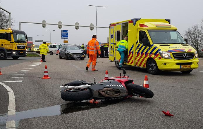 Politie en verzekeraars waarschuwen motorrijders. In april is er een forse piek in het aantal ongevallen.