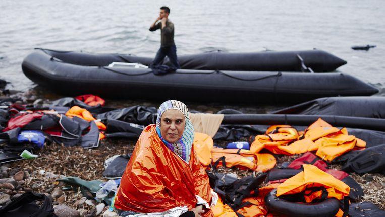 Vluchtelingen komen aan op Lesbos Beeld anp