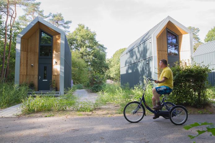 Butterfly effect, het sociale bedrijf van Stijn van Kreij, plaatste al kleine woningen op het terrein van de Binckhorst in Rosmalen.
