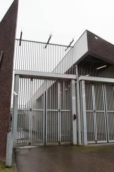 Bedrijfsvertrouwelijke informatie tbs-kliniek Woenselse Poort op straat door blunder, kliniek overweegt stappen