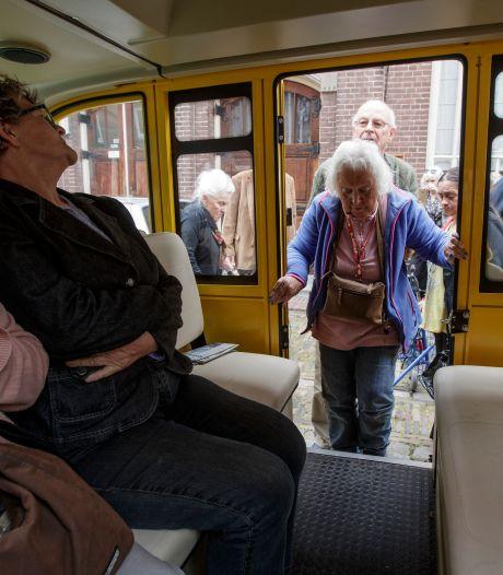 Ouderen uit Zutphen kunnen voor een euro de deur uit naar het centrum
