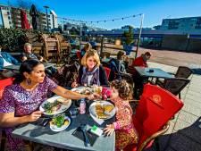 Horecazaken in Capelle mogen hun terras uitbreiden: 'Op het Stadsplein is veel ruimte'