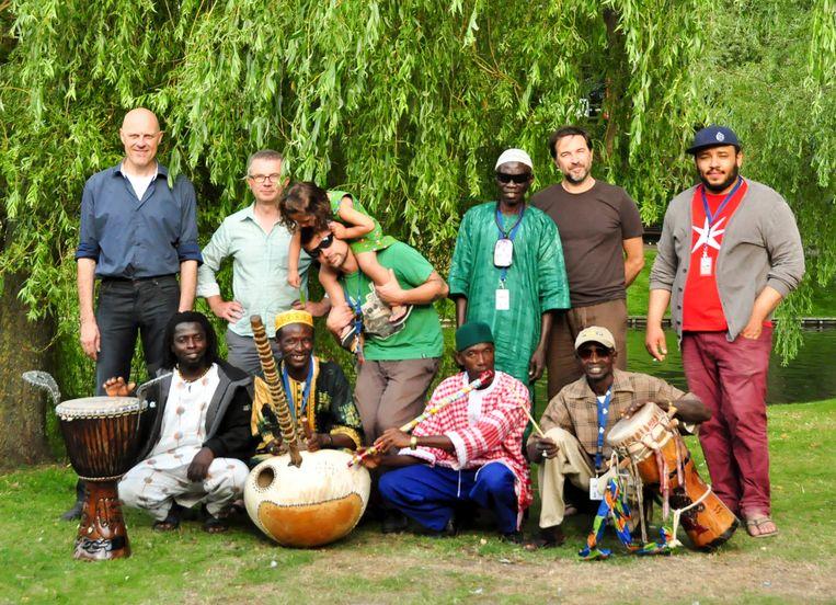 Vijf Belgische en vijf Gambiaanse muzikanten sloegen de handen in elkaar en creëerden in 2013 het zeer geslaagde TAZ-project 'Haleyi Tatipere'