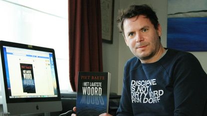 Fans Knokse schrijver plaatsen boek op Facebook