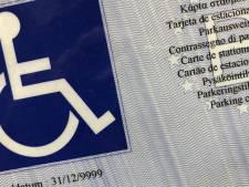 Helft van gecontroleerde bestuurders misbruikt parkeerkaart voor personen met een handicap in Brugge