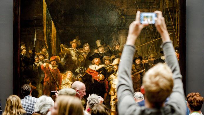 Weer meer dan twee duizend bezoekers voor het Rijksmuseum