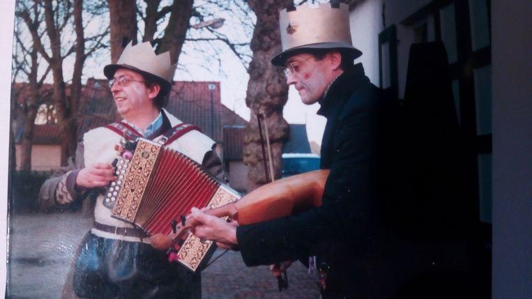 Jan Huyghe en Stefaan Demoen knopen aan met een oude traditie in Oostduinkerke