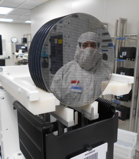 NXP in Eindhoven ziet omzet weer flink aantrekken
