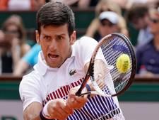 Djokovic wint eerste wedstrijd met Agassi aan zijn zijde