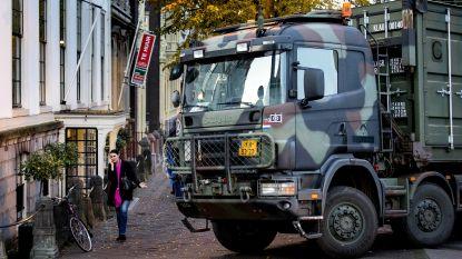 """Lange files in Nederland door protesterende boeren, leger wacht hen op in Den Haag: """"Dit gaat flink uit de hand lopen"""""""