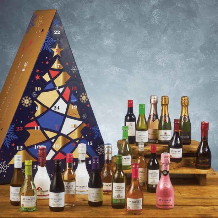 De adventskalender van ALDI met 24 flesjes wijn