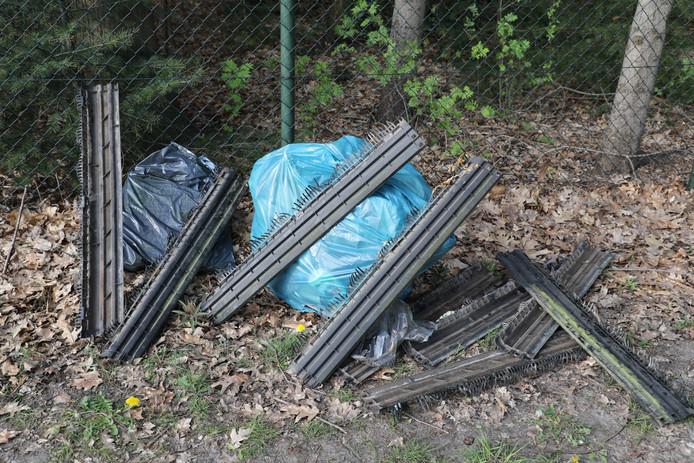 In Loon op Zand is afval gestort in het buitengebied.