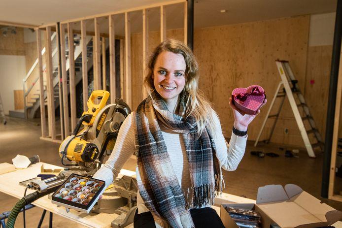 Cynthia van Giessen van More Chocolate begint luxe patisserie in voormalig pand Jan Rauw.