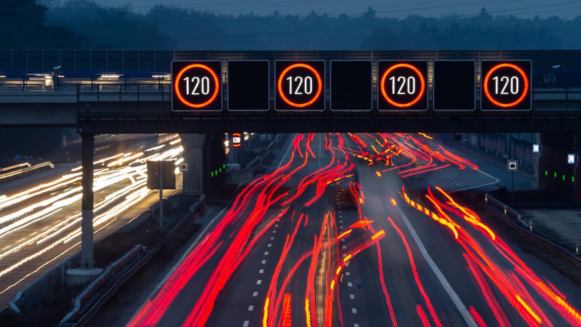 Voor de derde keer  ligt de maximumsnelheid in Duitsland onder vuur.