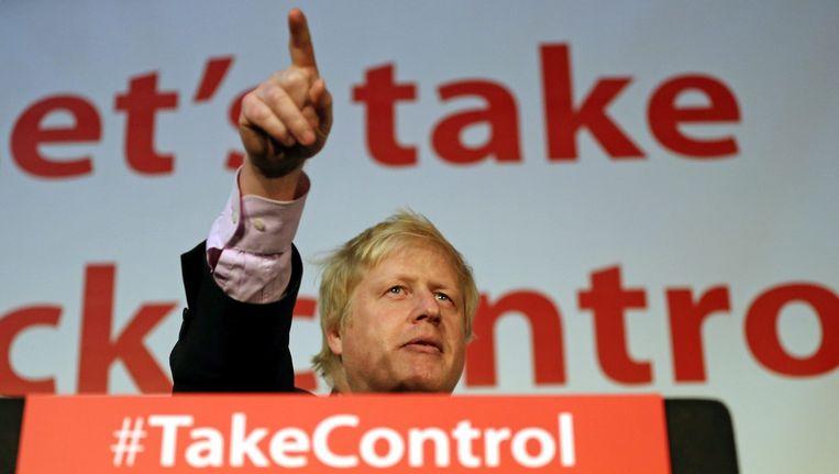 De toenmalige Londense burgemeester Boris Johnson spreekt tijdens een campagne-evenement in Manchester. april 2016. Beeld epa