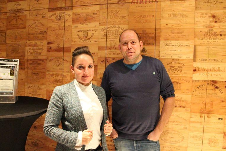 Julie Vandenberghe en Dimitri Stofferis in hun zaak.