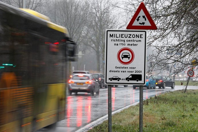 Oude diesels mogen het centrum van Utrecht niet meer in.