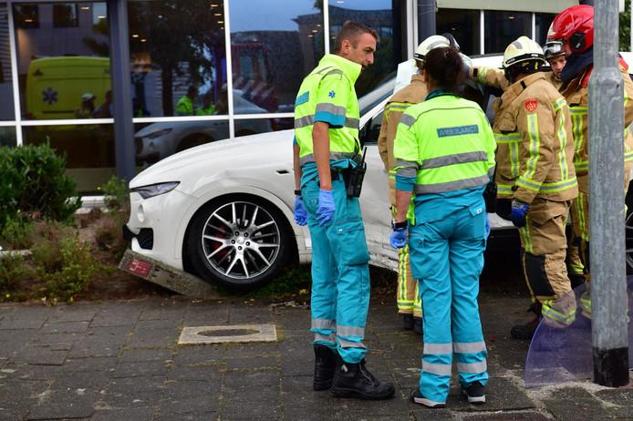 Ongeluk met dure Maserati in Eindhoven.